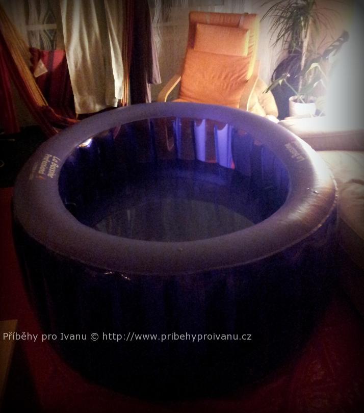 Porodní bazén