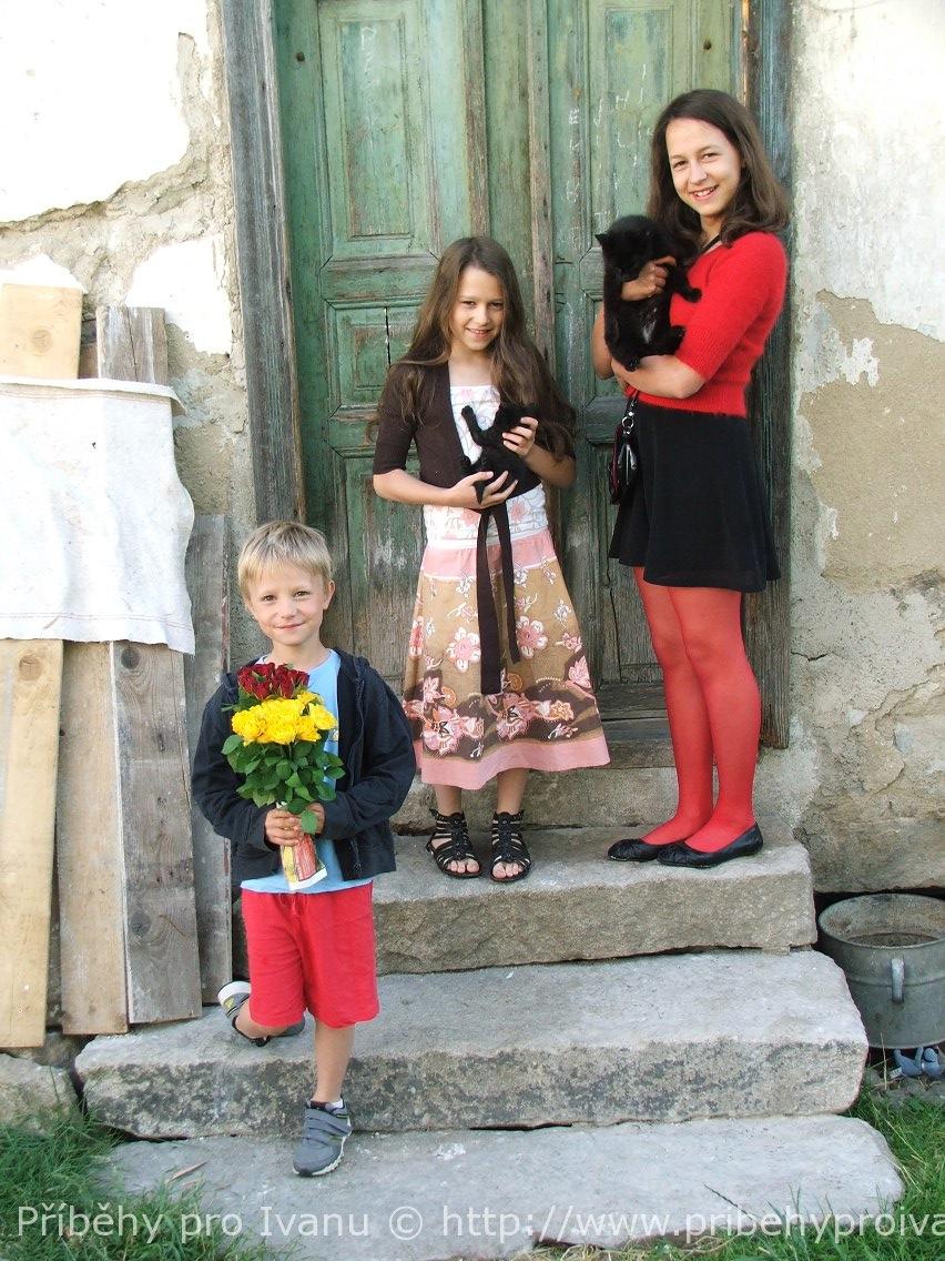 Děti před domem